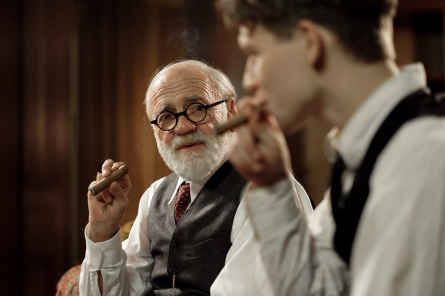 Bruno+Ganz+%28left%29+as+Sigmund+Freud+and+Simon+Morze+as+Franz+in+%22The+Tobacconist.%22+%28Photo%3A+Petro+Domenigg%29%C2%A0