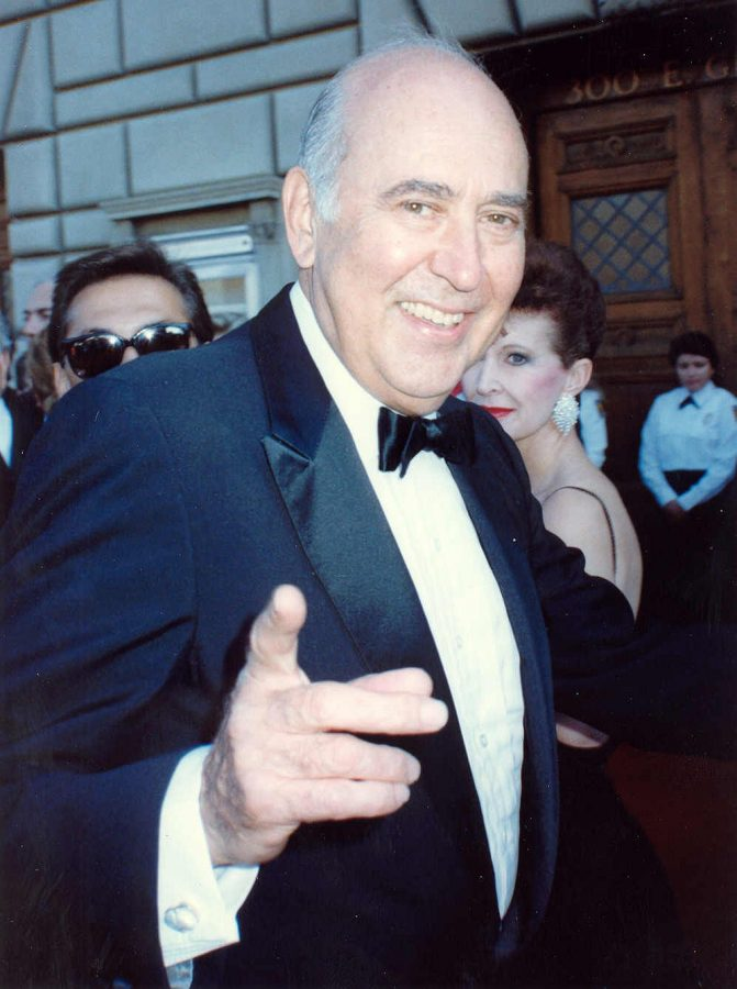 Carl+Reiner+at+the+41st+Emmy+Awards+in+September+1989.+Photo%3A+Alan+Light