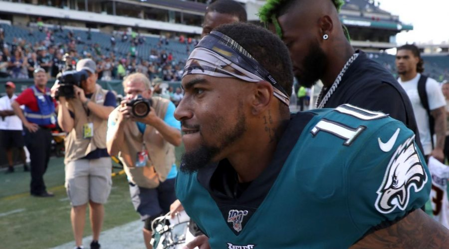 Philadelphia+Eagles+wide+receiver+DeSean+Jackson+on+the+sidelines+of+Lincoln+Financial+Field+in+Philadelphia%2C+Sept.+8%2C+2019.+%28Rob+Carr%2FGetty+Images%29