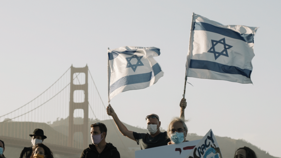 About+150+Israelis+joined+a+protest+in+San+Francisco+Saturday+in+solidarity+with+the+sweeping+anti-government+protests+in+Israel.+%28Courtesy+of+Rachel+Batish%29