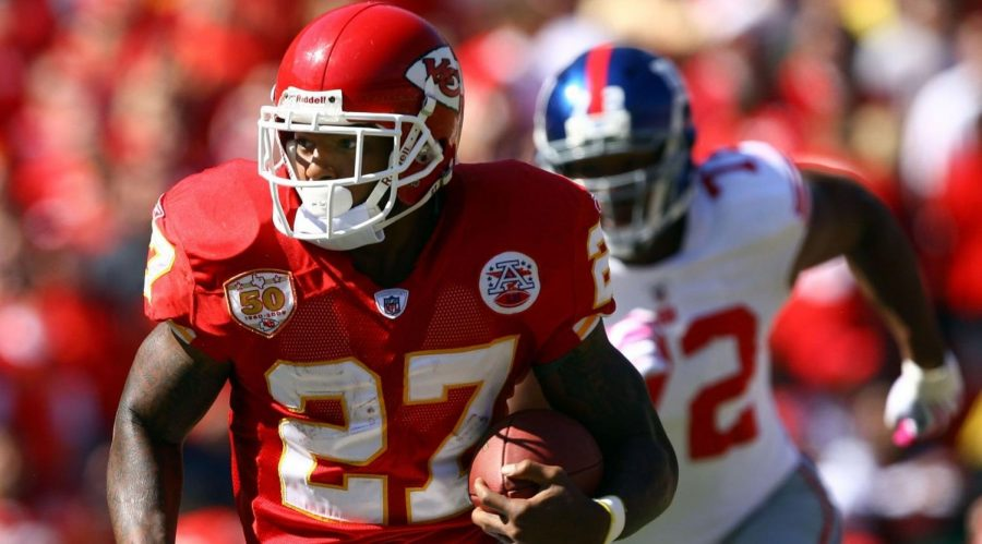 Kansas+Chiefs+running+back+Larry+Johnson+carries+the+ball+during+the+game+at+Arrowhead+Stadium+in+Kansas+City%2C+Missouri%2C+Oct.+4%2C+2009.+%28Jamie+Squire%2FGetty+Images%29