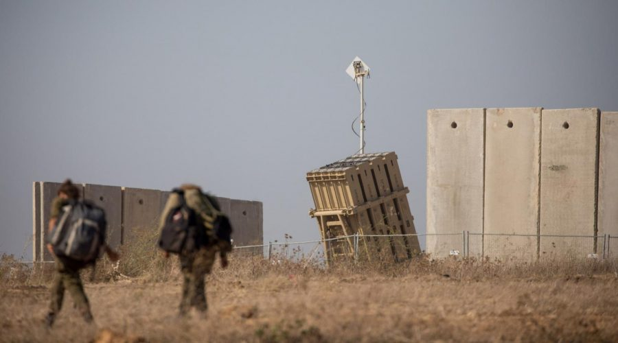 Israeli+soldiers+walk+near+an+Iron+Dome+anti-missile+battery+in+the+southern+Israeli+city+of+Sderot%2C+Aug.+9%2C+2018.+%28Yonatan+Sindel%2FFlash90%29