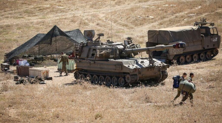 Israeli artillery units deployed near the Lebanese border in northern Israel, Aug. 26, 2020. (David Cohen/Flash90)