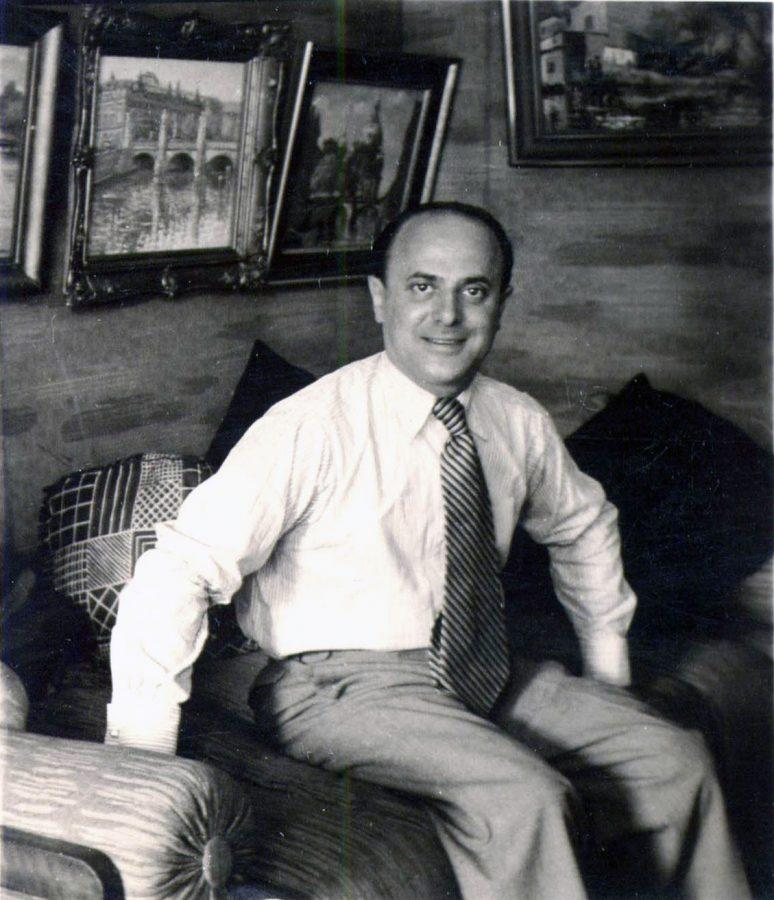 David+Friedmann+in+1936+in+his+apartment+at+Paderborner+Strasse+9%2C+Berlin-Wilmersdorf.+In+the+background+his+painting+of+the+Berlin+Cathedral+appears.+After+World+War+II%2C+it+was+found+in+his+sister-in-law%E2%80%99s+apartment.+Friedmann%E2%80%99s+painting+of+the+Schlossbr%C3%BCcke+und+Zeughaus+%28castle+bridge+and+arsenal%29%2C+today+the+German+Historical+Museum%2C+also+appears.+These+paintings+are+among+hundreds+of+Nazi-looted+and+lost+artworks.
