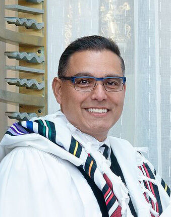 Rabbi Carnie Shalom Rose is The Rabbi Bernard Lipnick Senior Rabbinic Chair at Congregation B'nai Amoona and a member of the St. Louis Rabbinical and Cantorial Association.