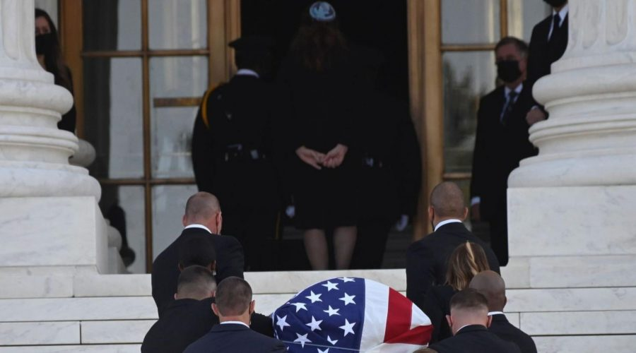 The+flag-draped+casket+of+the+Supreme+Court+Justice+Ruth+Bader+Ginsburg+arrives+at+the+court+in+Washington%2C+Sept.+23%2C+2020.+%28Andrew+Caballero-Reynolds%2FAFP+via+Getty+Images%29%C2%A0
