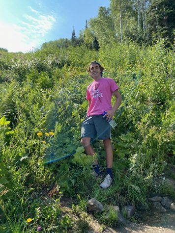 Ohr Chadash co-editor Noah Kleinlehrer enjoys a solo hike during the pandemic.