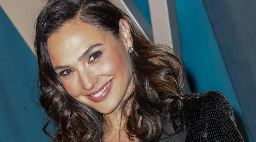 Gal+Gadot+at+the+2020+Vanity+Fair+Oscar+Party+at+the+Wallis+Annenberg+Center+for+the+Performing+Arts+in+Beverly+Hills%2C+Calif.%2C+Feb.+9%2C+2020.+%28Toni+Anne+Barson%2FWireImage%2FGetty+Images%29%C2%A0