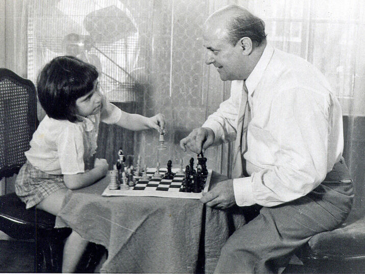 """""""You see Miri, I was really a famous artist before the war. I was known for these portraits."""" Miriam Friedman Morris with her father, the chess enthusiast and portraitist, David Friedmann. St. Louis, 1957"""