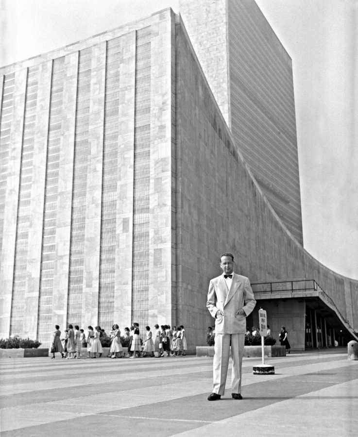 U.N. Secretary-General Dag Hammarskjold, shown outside the headquarters in the 1950s, failed to persuade Egypt to allow Israeli cargo through the Suez Canal.