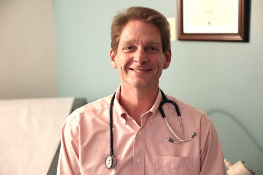 Dr. Jeffrey Davis serves in the emergency room at Missouri Baptist Medical Center. Photo: Bill Motchan