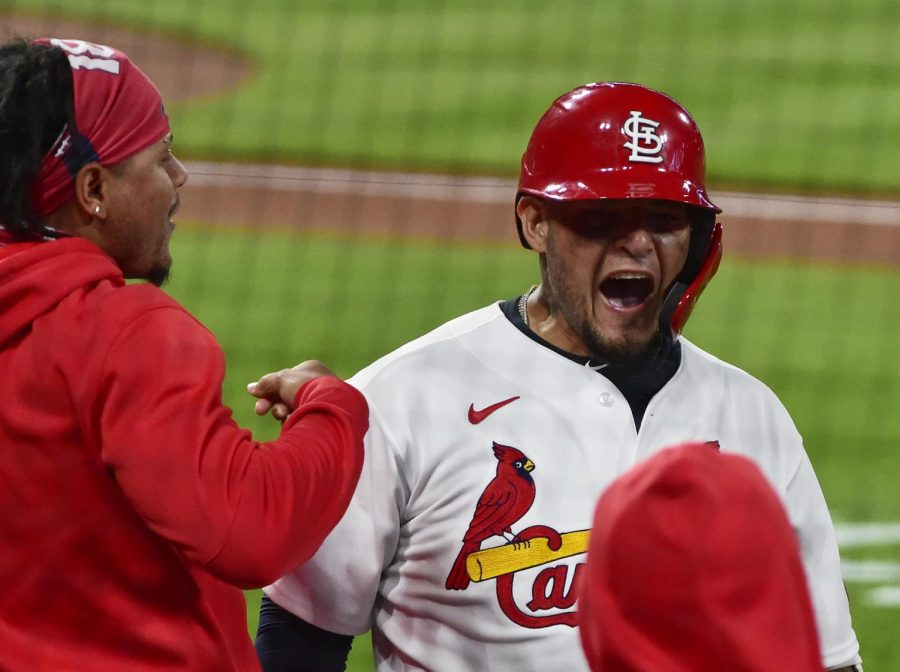 St.+Louis+Cardinals+catcher+Yadier+Molina.+Mandatory+Credit%3A+Jeff+Curry-USA+TODAY+Sports