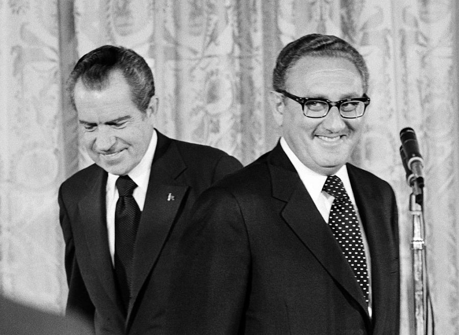WASHINGTON+-+SEPTEMBER+22%3A++%28NO+U.S.+TABLOID+SALES%29++U.S.+President+Richard+Nixon+%28L%29+congratulates+newly+appointed+Secretary+of+State+Henry+Kissinger+September+22%2C+1973+in+Washington+D.C.+Kissinger%27s+oath+as+U.S.+Secretary+of+State+was+the+first+time+a+naturalized+citizen+%28he+was+born+in+Germany%29+has+held+this+office.+Kissinger+replaced+William+Rogers+as+Secretary+of+State+and+was+also+awarded+the+Nobel+Peace+Prize+in+1973.++%28Photo+by+David+Hume+Kennerly%2FGetty+Images%29