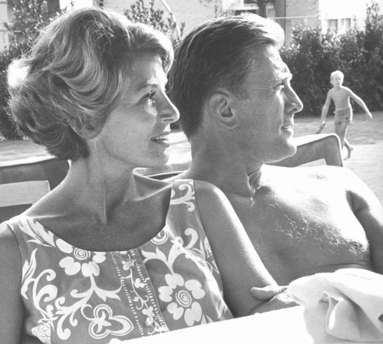The+love+letters+between+Kirk+Douglas+and+his+wife%2C+Anne%2C+are+astounding