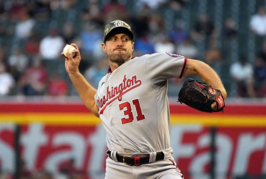 Max Scherzer throws against the Arizona Diamondbacks in the first inning at Chase Field (Rick Scuteri-USA TODAY Sports).