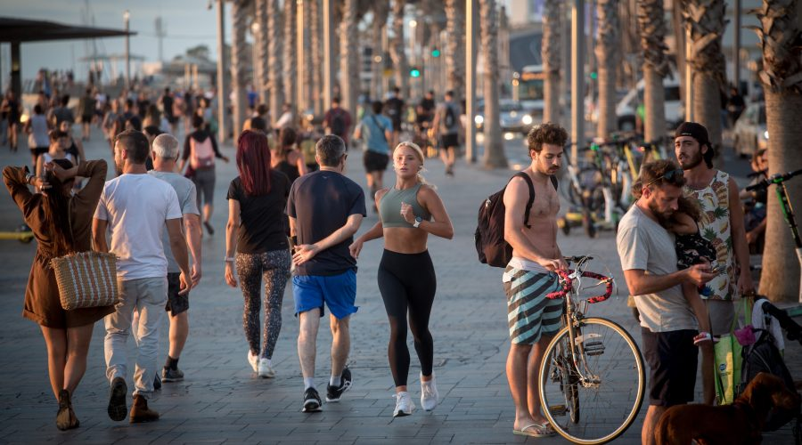 Israel is ending its COVID restrictions and starting to allow tourists back