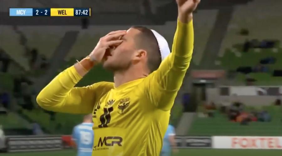 Israeli soccer star Tomer Hemed celebrates goals with Israeli flag and kippah 'for peace'