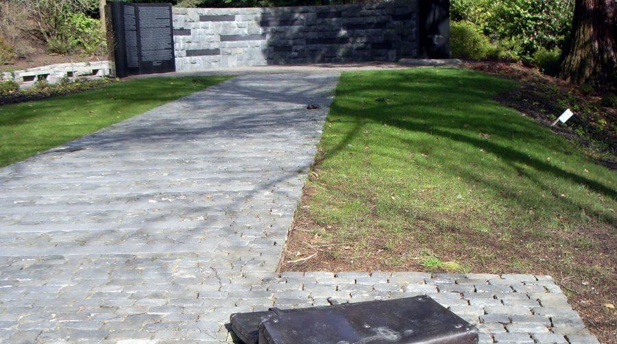 Oregon+Holocaust+memorial+defaced+with+swastikas+and+antisemitic+slurs