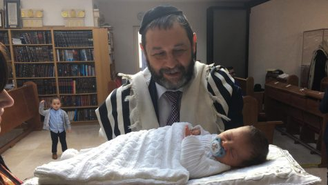 This Orthodox dad leaned on his Jewish community to survive a 2-month COVID coma