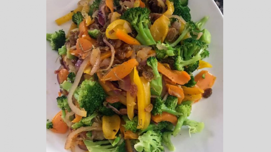 Cooking Kosher: Smothered broccoli with peppers onions and raisins