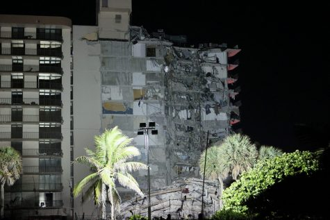 'Like a war zone,' rabbi of nearby synagogue says of Miami condo collapse