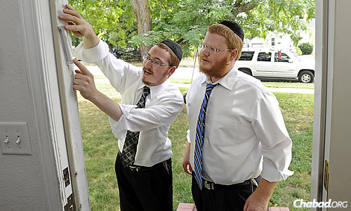 Chabad's roving rabbis make a stop in South Dakota (Chabad.org)