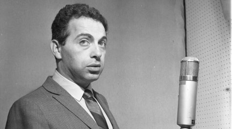 """Jackie Mason in New York City recording his album """"I Want To Leave You With The Words Of A Great Comedian,"""" Feb. 20, 1963. (Popsie Randolph/Michael Ochs Archives/Getty Images)"""