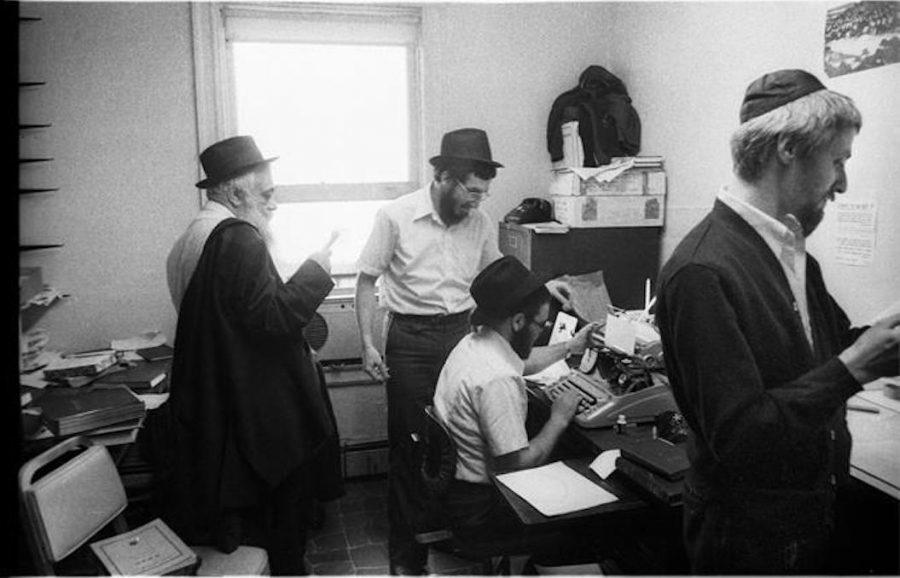 Rabbi+Yoel+Kahn%2C+Hasidic+scholar+who+preserved+Lubavitcher+rebbe%E2%80%99s+words%2C+dies+at+91