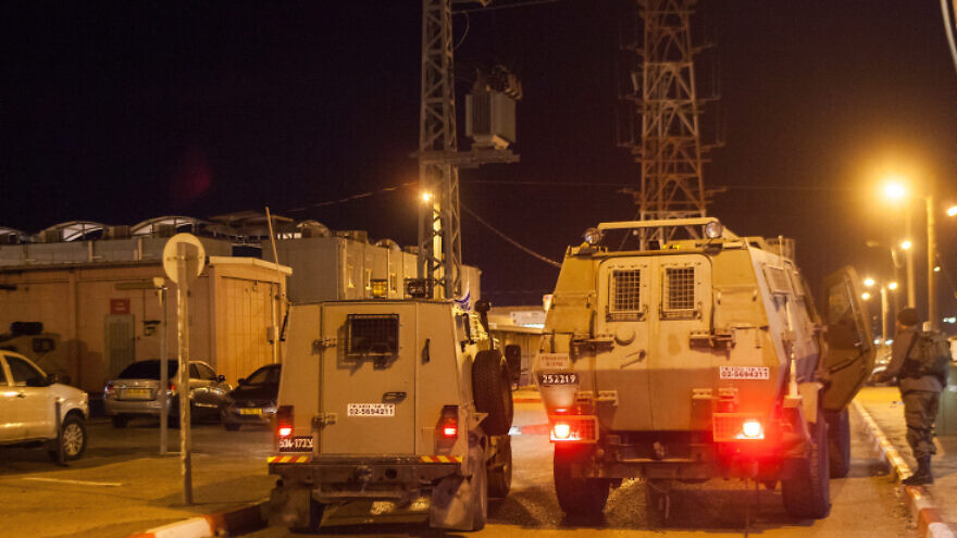 Israeli security forces seen at entrence to the Al-Jalama checkpoint near the West Bank city of Jenin, January 18, 2018. Israeli forces raid on the West Bank city of Jenin overnight following the drive-by shooting terror attack earlier this month. Photo by Basel Awidat/Flash90 *** Local Caption *** ??? ??? ??? ????? ???? ???? ???????? ????? ????? ????? ????? ????