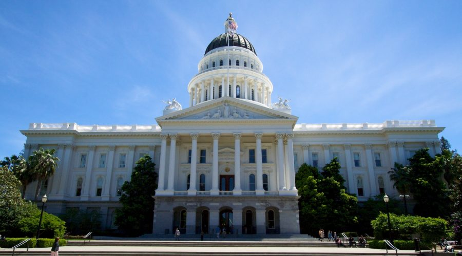 The+California+State+Capitol+building+in+Sacramento.+%28Mathieu+Thouvenin%2FFlickr+Commons%29