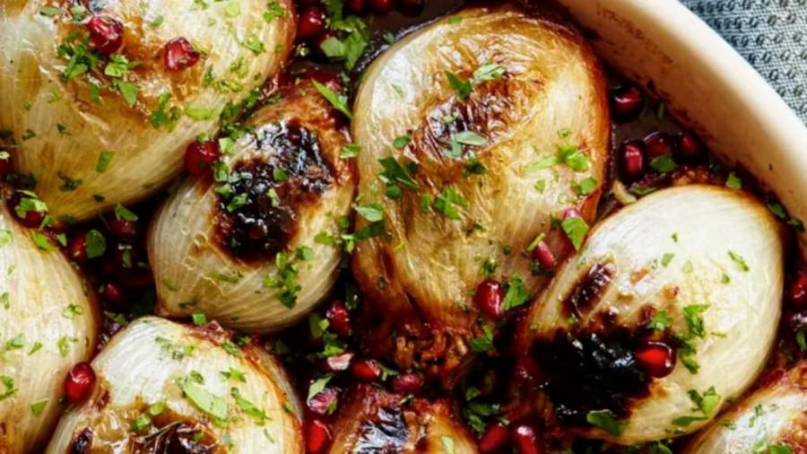 Kosher+Recipe+Alert%3A+Stuffed+onions+with+ground+lamb+and+pomegranate