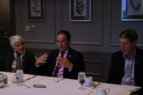 U.S. Rep Andy Levin (center), Democrat of Michigan, spoke at a J Street breakfast fundraiser Oct. 25 at the St. Louis Club in Clayton.