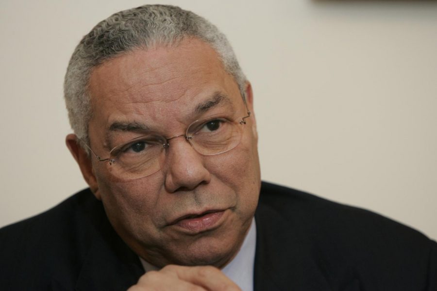 Then-Secretary of State Colin Powell talks to editors and reporters of USA Today in 2004. Photo: H. Darr Beiser-USA TODAY NETWORK