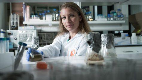 Dr. Karina Golberg, a researcher in Ben-Gurion University's Laboratory of Environmental Biotechnology. Photo by Dani Machlis/BGU